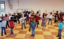 Séance de danse collective